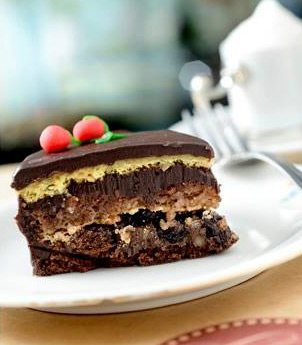 The marvelous Leckerhaus Trüffel - chocolate slice of cake filled with nuts